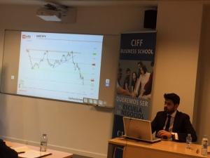 Carlos Fernádez en un momento de su presentación